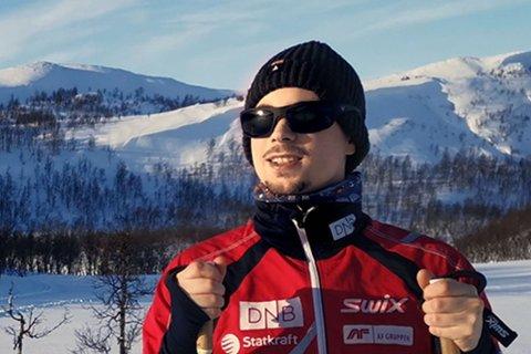 UT PÅ TUR: Vegard Tapio liker å være aktiv. Han ønsker nå å få lov til å spille fotball med venner innendørs.