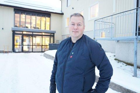 STORE SUMMER: Det er snakk om store summer som har gått med til reparasjon av kaiene i Båtsfjord. Dette ønsker kommunen å få erstattet av staten, forteller ordfører Ronald Wærnes.