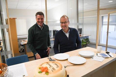 Bengt Slettli (til venstre) og Total Brannsikring AS i Alta er blitt kjøpt opp av Morten Ameln og Firesafe AS.
