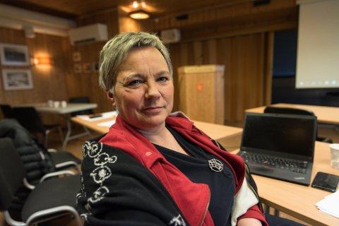 SIKRET PRØVEÅR: Ragnhild Vassvik og Arbeiderpartiet kom med forslaget om en ettårsavtale med fylkeskommunen på brøyting på fylkeskommunale veier på Skjånes og i Gamvik.