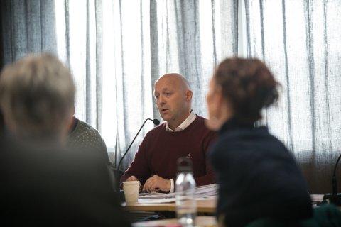 SAMTALE BAK LUKKEDE DØRER: Rådmann Tor Arne Solvoll sier han hadde et behov for å snakke med kommunestyret etter at han nå har vært ett år i sin stilling som rådmann.