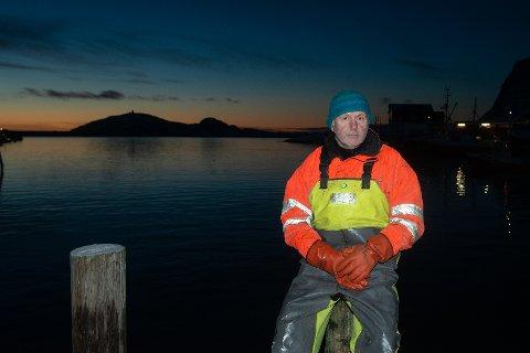 PÅ VEI: - Nå er det ikke lenge før vi har den inne på fjorden, sier sjarkfisker Eivind Fagerheim, som fikk 700 kilo på juksa halvannen time fra land på onsdag.