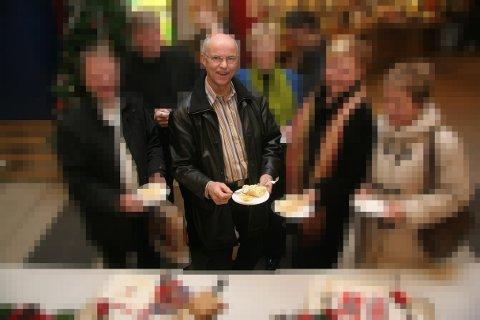 - FORMIDLET: Steinar Myrland pekes ut som formidler av de tapsutsatte finansproduktene.