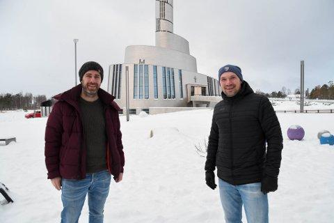 Tron Møller Natland (til venstre) og Øyvind Pedersen har som mål å få bygget en padelhall i Alta i løpet av 2021.