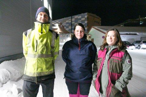 STYRE: Ronny Olsen, Marina Losoa og Ane Caroline Lian sitter i styret for Sør-Varanger hund- og fritidsklubb.