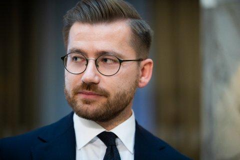 KUN ORIENTERING: Klima- og miljøminister Sveinung Rotevatn sier Finland kun ble orientert om sjølaksefisket, det var ikke del av forhandlingene.