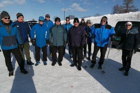 TRENINGSGRUPPA: Til høyre trener Arne Ulvang (84), sammen med Tor Eriksen (65), Torgeir Johnsen (67), Tore Sannes (74), Stig Andersen (73), Roy Henriksen (72), Gudmund Larsen (77), Inge Flå (64), Ulf Børre Rist (72), Erik Tharaldsen (66) og Tom Pedersen (64).