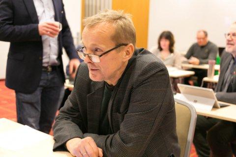 ULOVLIG: Formannskapet har ikke lov til å ansette kommunedirektør mener Brede Sæther. Han gir ikke opp kampen for å få kjent vedtaket ulovlig.