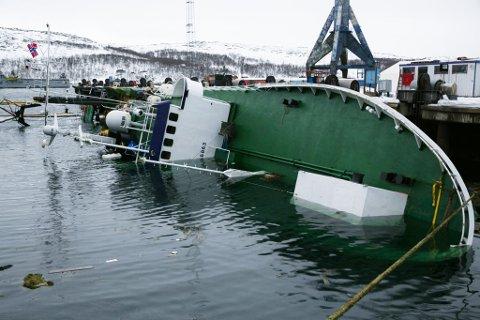 HAVARERT: Den russiske båten ligger fortsatt der den har ligget i drøyt to uker.