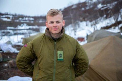 UTE: Ulrik Vangberg Nergaard er fra Sør-Varanger og er ikke langt hjemmefra når han er på Høybuktmoen.