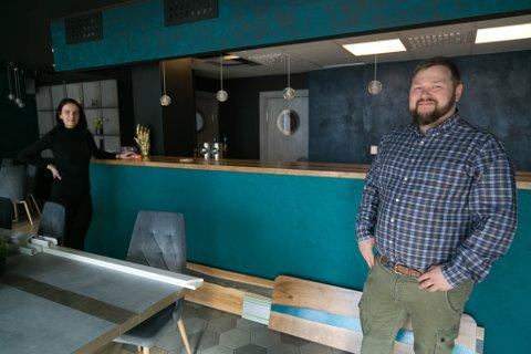 PÅ`N IGJEN: Irmelin Nugis og Jan-Einar Johansen er klar til å åpne en ny restaurant.