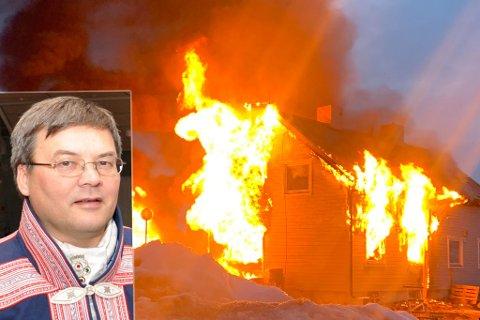 OVERTENT: Flammene tok raskt overhånd.