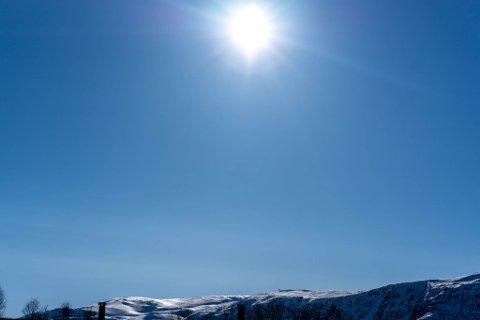 FINT: Slik så det ut i Porsanger én uke i forveien. Også denne helga ser det ut til at sola vil titte frem, både i Porsanger, men også mange andre steder i Finnmark.
