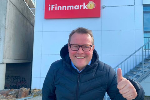 KLAR FOR NASJONALDAGEN: Trond Ivar Lunga skal lose iFinnmarks seere gjennom feiringen av nasjonaldagen.
