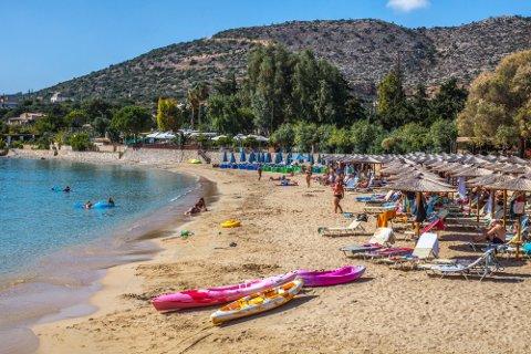 AVLYST: Kreta var en av de tiltenkte TUI-destinasjonene fra Tromsø denne sommeren. Nå er avgangene kansellert. Dette bildet er fra stranda i Marathi på Akrotiri-halvøyen ved Chania på Kreta i Hellas