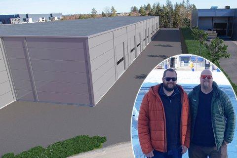 DRIVERNE:  Prosjektleder Espen Bergerud Lundberg og daglig leder Sven Otto Røhne-Jakobsen (t.h.) avbildet i Hammerfest. Her ser du også hvordan byggene er tenkt.
