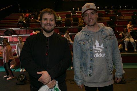 FORNØYD: Kulturskolerektor Per Anders Store (til venstre) sammen med danselærer Vegard Kristiansen.