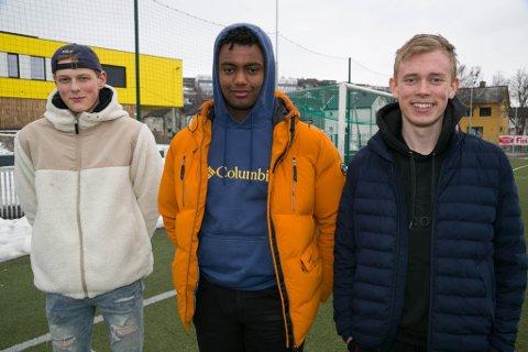 KLARE: Jakob Jensen, Tebarek Heyle og Mgnus Frydstad er klare når fotballen ruller igjen.
