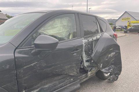 KRAFTIG SMELL: Airbag ble utløst da en annen bil kjørte rett inn i siden på dette kjøretøyet.