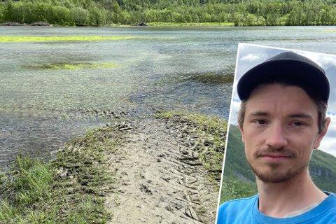 UHELDIG: Espen Bech overtok familiegården i Mathisdalen i juli i fjor. Han har på sin korte tid som bonde opplevd to 50-årsflommer. Nå håper han at skadene ikke er altfor ille på jordene bak han på bildet.