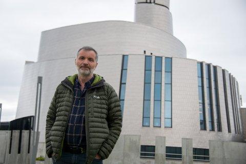 Per Arne Askeland og sønnen Magnus Askeland har jobbet med den nye timelaps-filmen til Nordlysattraksjonen i to år.