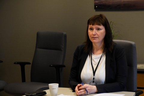 ALTAS ORDFØRER: Monica Nielsen svarer om ståa for smittesituasjonen i kommunen.