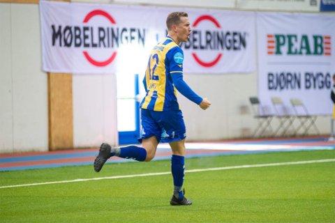 SCORET: Morten Gamst Pedersen (39) scoret på direkte hjørnespark da Alta tok ledelsen 2-1 over Moss. Lørdag gjorde han det mot Brattvåg.