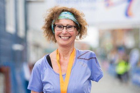 OVERLEVDE: Anne Grethe Solberg løp sitt niende maratonløp i Tromsø på søndag. Hun tok opp løpingen etter hun i 2006 var nær døden da hun ble forsøkt drept.