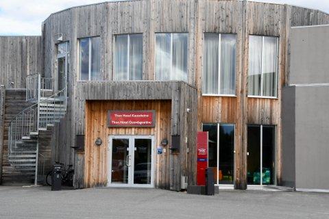 ØKNING: Hotellene i Nord-Norge har en økning i losjiomsetningen på 38 prosent i juni, mens Norge som helhet har en økning på 30 prosent. Sammenlignet med juni 2019 er det en nedgang i de nordnorske hotellenes losjiomsetning på 28 prosent. Her er et av hotellene i Finnmark, Thon-hotellet i Kautokeino.