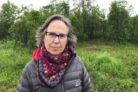 MÅ STANSES: Annie Henriksen, leder i Vest-Finnmark Naturvernforbund, sier de har jobbet med saken i en årrekke.