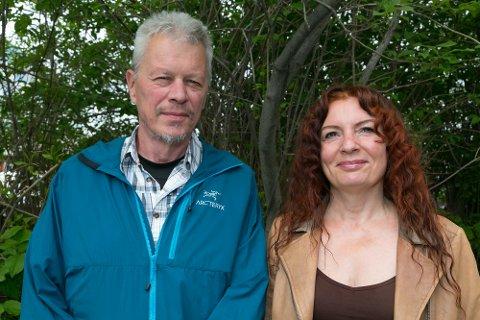 MONTESSORISKOLE: Styreleder Jørn Finnmarking Haga og nestleder Monica Bakken i Montessori Sør-Varanger. Nå er de i gang med prosjektet og håper å komme i gang med skole om et drøyt år.