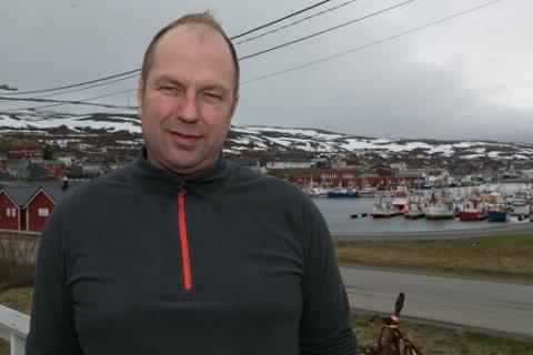 SATSER: Johan Rainer Hanssen er daglig leder på Båtsfjord hotell. Nå satser han hardt på reiseliv.