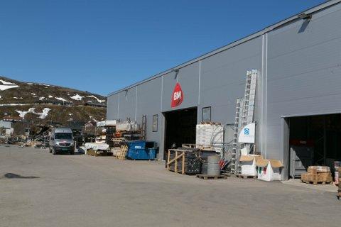 FÅTT JA: Butikken, som lå like ved lageret, har fått alle tillatelser på plass og skal bygges opp igjen.