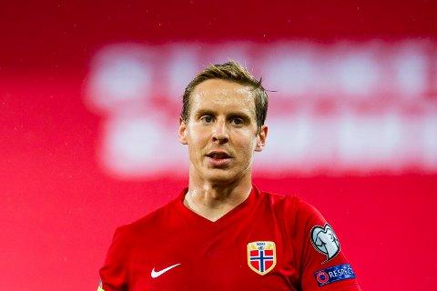 SOLGT: Stefan Johansen, her avbildet under semifinalen i EM-omspillet fotball Norge og Serbia på Ullevaal stadion, blir værende i QPR etter at han nylig signerte for klubben som han den siste tida har vært på utlån til.