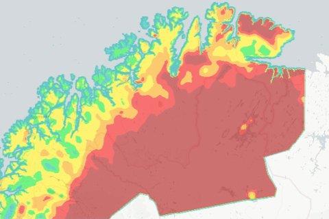SKOGRANNFARE: Slik ser Meteorologisk institutts skogbrannfareoversikt ut for mandag 5. juli. Dess rødere fargere, dess større anses skogbrannfaren for å være.