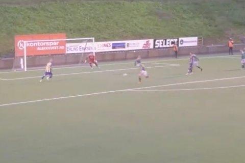 FANT BROREN: Christian Reginiussen fant storebror Tore alene foran mål. Sistnevnte satte her inn Altas fjerde og kampens siste scoring.