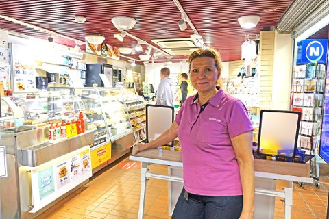 STARTET OPP: HIlde Andersen er ny kjøpmann på Narvesen på sykehuset i Hammerfest.