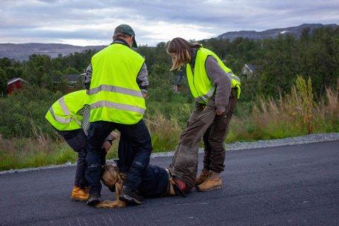 KLAR FOR Å AKSJONERE: Natur og Ungdom trente i helgen på sivil ulydighet i tilknytning til aksjonene mot Nussir sine planer om å dumpe gruveafall i Repparfjorden og frykten for at reindriften taper beiteområder i Kvalsund/Hammerfest.