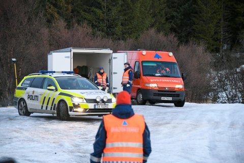 MANGE HAR BIDRATT: Sivilforsvaret har stilt med 14 personer, deriblant flere fra Harstad, i arbeidet etter brannen på Andøya.