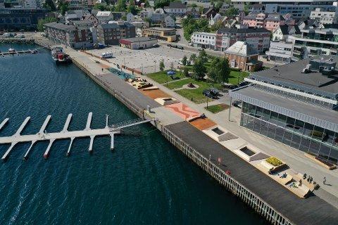 Harstad havn blir lagt merke til utenfor kommunegrensen. Mye har skjedd langs hele havna fra Kulturhuset mot Larsneset de siste årene, og flere endringer skal komme.