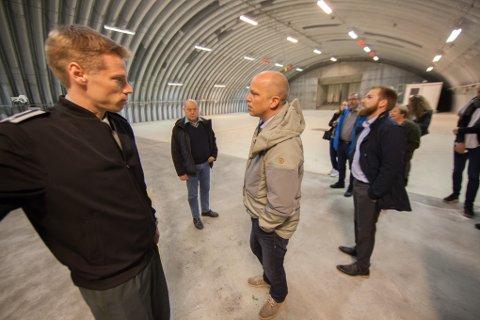 Senterpartiets Trygve Slagsvold Vedum  og Willfred Nordlund på besøk på Evenes flystasjon i 2018.