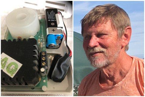 EKSPLOSJON: Da Geir Larsen fjernet dekslet på røykvarsleren så at det det var batteriet som hadde forårsaket det høye smellet i stua hans. – Det kom et par pip først. Kanskje batteriet var i ferd med å bli oppbrukt, men det skal jo ikke eksplodere av den grunn, sier han.