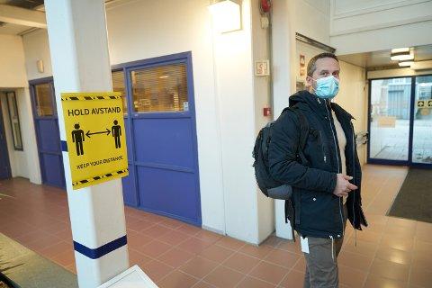Kommuneoverlege Tommy Aune Rehn mener sjansen for videre smitte er relativ stor.