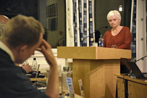 SVARER OM VARSLINGSKULTUR I SKOLEN: Anita Ravlo Sand (Sp), ordfører i Levanger, sier at en trygg varslingskultur først og fremst skapes gjennom god kommunikasjon og et godt samarbeid.