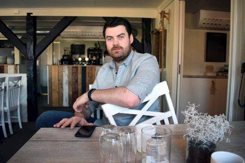 LOKALMAT:  – Vi vil satse på å markedsføre og synliggjøre lokale matvarer fra Innherred, sier Erik Hagen Strugstad, som for tiden er permittert fra jobb i Radisson Blu Royal Garden.