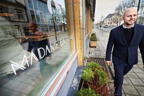 UNIK MULIGHET: Daglig leder Jostein Austli ved Madame Backlund mener at Trøndelag som én av to «Europeisk matregioner i 2022» gir fylket og dets matprodusenter og kokker en unik mulighet til å vise fram fra regionen kan by på.