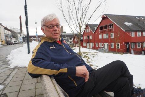 ALLTID ARSENAL: Tormod Lingeberg (65) falt for Arsenal da han var 15. Han har vært lojal supporter i 50 år.
