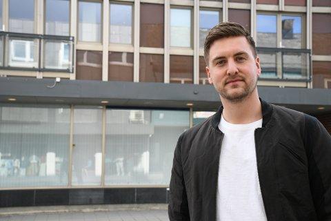 SATSER: Aslak Wanderås (25) fra Levanger er en av tre eiere i Levanger Treningssenter som åpner i Kirkegata.