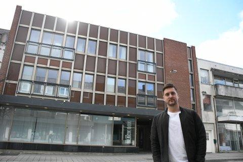 SATSER: Aslak Wanderås (25) fra Levanger er en av tre eiere i Levanger Treningssenter som åpner 1. august.