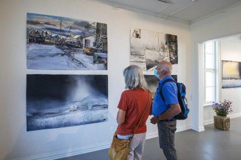 AKVARELLER I SÆRKLASSE: I alt 25 akvareller, hvorav 18 store og 7 små fyller kunstforeningens lokaler i Levanger. -  Den anerkjente svenske kunstneren hører med til det ypperste sjiktet av verdens akvarellmalere, sier  Herlaug Hjelmbrekke i Levanger kunstforening.
